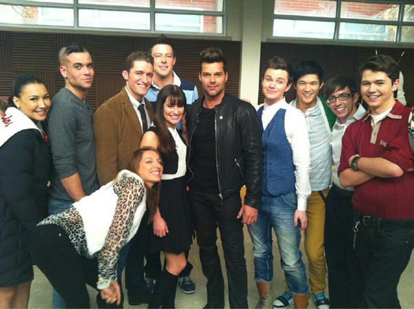 Ricky Martin (center) with the cast of Glee