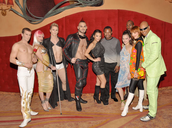 Sugar Shane Mosley and girlfriend Bella Gonzalez with cast members of Zumanity