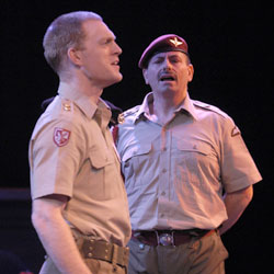 Tom Tate and Anthony Cochrane in Othello(Photo © Richard Termine)