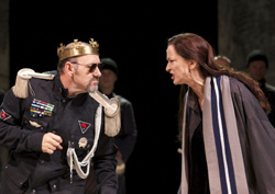Kevin Spacey and Haydn Gwynnein Richard III