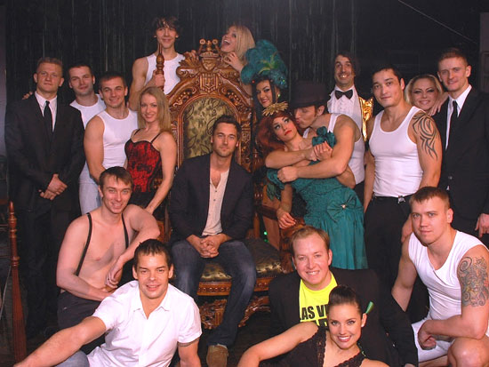 Ryan Eggold with the company of Absinthe (© Joseph Sanders/Spiegelworld 2012)