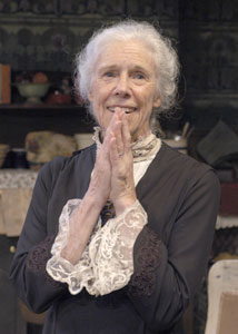 "Frances Sternhagen in""The Old Lady Shows Her Medals""(Photo © Richard Termine)"