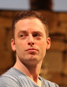 Justin Kirk in Other Desert Cities