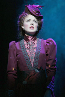 Melissa Errico in Dracula, The Musical(Photo © Joan Marcus)