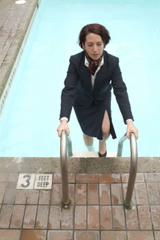 Amy Smith in Hotel Pool(Photo © Steve Belkowitz)