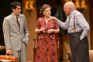 Nicky Katt, Beth Fowler, and Dominic Chianese inA Second Hand Memory(Photo © Carol Rosegg)
