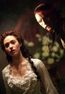 Emmy Rossum and Gerard Butlerin The Phantom of the Opera