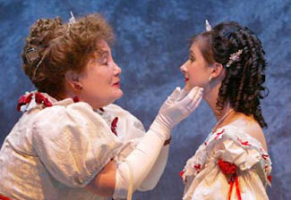 Kathleen Widdoes and Collette Simmons in After the Ball(Photo © Carol Rosegg)