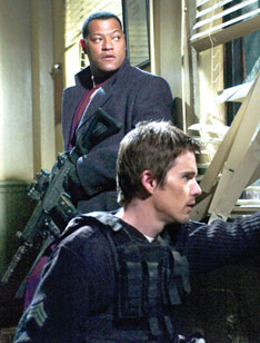 Laurence Fishburne and Ethan Hawkein Assault on Precinct 13(Photo © Focus Features, 2005)