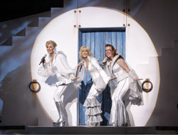 Judy McLane, Lisa Brescia, and Jennifer Perry