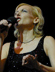 Ute Lemper(Photo © Michael Portantiere)