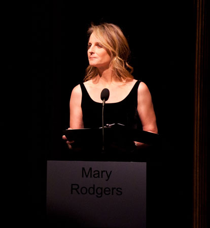 Actress Helen Hunt reading excerpts in tribute to Mary Rodgers Guettel (© Nan Melville)