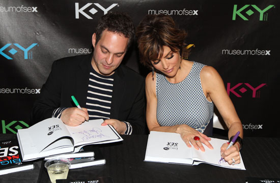 Dr. Ian Kerner and Lisa Rinna sign copies of The Big, Fun, Sexy, Sex Book (© Wire Image, Courtesy of LaForce + Stevens)