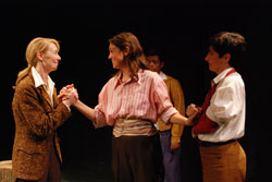 Julia Campanelli, Elisabeth Ahrens,