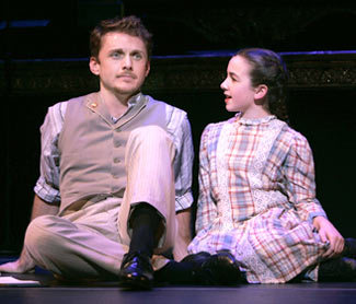 Jason Danieley and Katherine Faye Barryin A Tree Grows in Brooklyn(Photo © Joan Marcus)