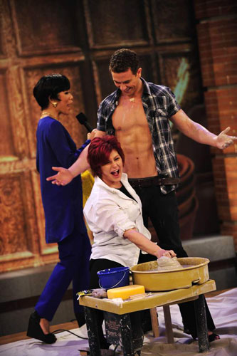 Richard Fleeshman with The Talk's Sharon Osbourne and Julie Chen (w/ mic)
