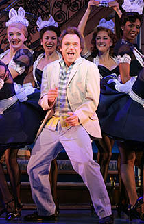 Norbert Leo Butz and castin Dirty Rotten Scoundrels(Photo © Carol Rosegg)