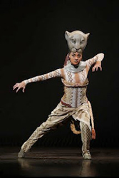 Syndee Winters as Nala in The Lion King (© Joan Marcus)