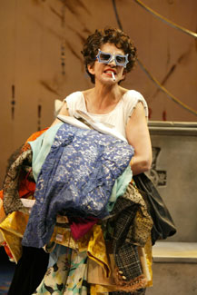 Mercedes Ruehl in Woman Before a Glass(Photo © Carol Rosegg)