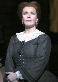 Maureen McGovern in Little Women(Photo © Paul Kolnik)