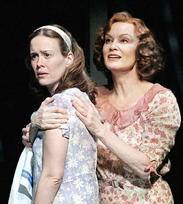 Sarah Paulson and Jessica Langein The Glass Menagerie(Photo © Paul Kolnik)