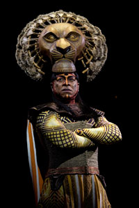 Alton Fitzgerald White as Mufasa in Broadway's The Lion King (© Joan Marcus)