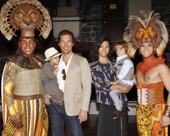 Matthew McConaughey with wife Camila Alves and children backstage with The Lion King cast members Alton Fitzgerald White (L) and Adam Jacobs (R)