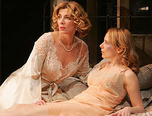 Natasha Richardson and Amy Ryan in A Streetcar Named Desire