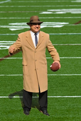 Vito D'Ambrosio as Vince Lombardi