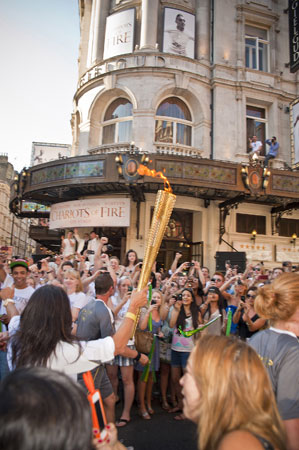 Vangelis and the cast of Chariots of Fire greet the Olympic Torch 