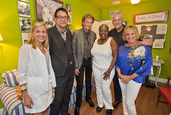 Tracy Mitchell, writer/director Paul Levine, music sensation Barry Manilow, Big Maybelle star Lillias White, Murphy Davis and actress/singer Lorna Luft (© Michael Heller)