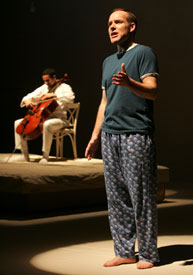 Michael Winther andcellist David Gotay inSongs From an Unmade Bed (Photo © Joan Marcus)