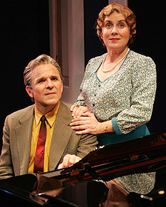 Donald Corren and Judy Kaye in Souvenir(Photo © Carol Rosegg)