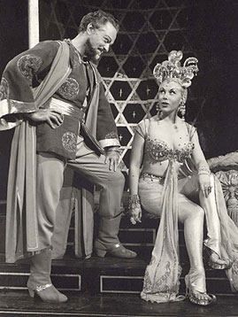 Alfred Drake and Joan Diener in theoriginal Broadway production of Kismet(Photo courtesy of Albert Marre)