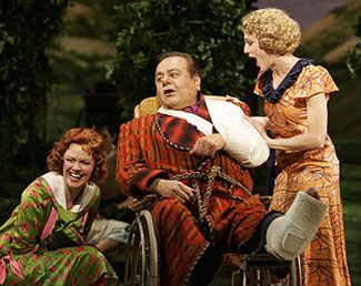 Leah Hocking, Paul Sorvino, and Lisa Vroman  in The Most Happy Fella