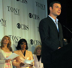 Announcing the 2006 Tony Award nominees: