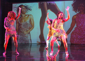 Pat Hall (right) and cast in River Deep, A Tribute to Tina Turner (Photo ©  Stephanie Berger)