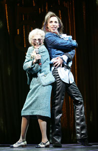 Rita Gardner and Kevin Cahoon in The Wedding Singer