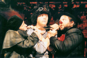 Kelly Hutchinson, Noah Bean, and Dan Fogler
