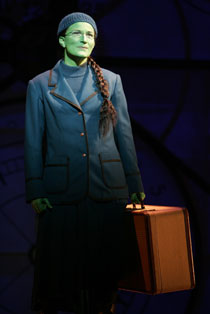 Ana Gasteyer in Wicked (© Joan Marcus)