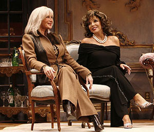 Linda Evans and Joan Collins in Legends(© Carol Rosegg)