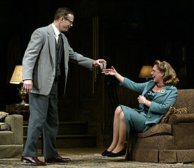 Bill Irwin and Kathleen Turnerin Who's Afraid of Virginia Woolf?(© Carol Rosegg)