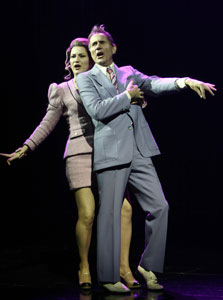 Ana Gasteyer and Jim Dale in The Threepenny Opera (© Joan Marcus)