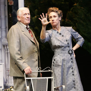 Len Cariou and Laurie Metcalf in All My Sons