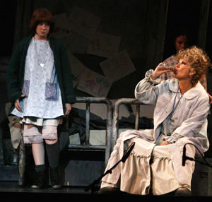 Marissa O'Donnell and Kathie Lee Gifford in Annie