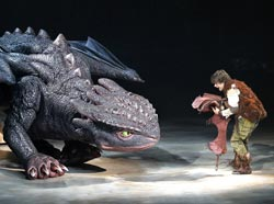 How to train your dragon live spectacular theatermania rarmian newton with toothless in how to train your dragon live spectacular jeff busby ccuart Images